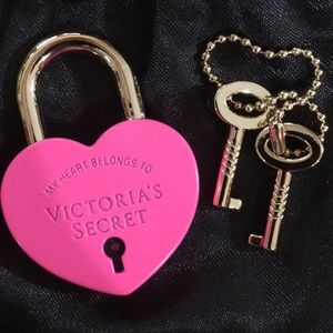 Victoria's Secret Lock with Key Set